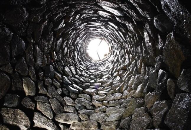 신라 궁터 우물에서 나온 고려인 유골…900년 전 이들에겐 무슨 일이?