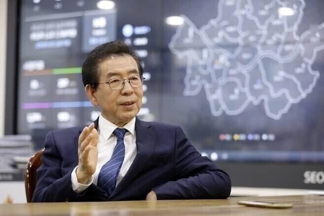 [단독] 서울시 젠더특보가 고소 당일 박원순 시장에게 피소 알렸다