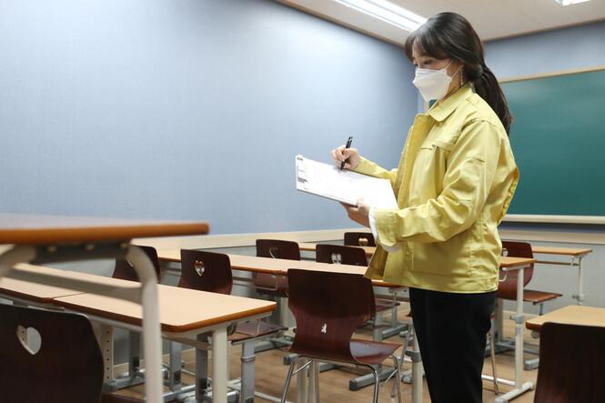서울 도봉구 학원강사 코로나19 확진…학생 200여명 자가격리