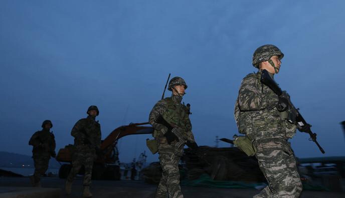 [Photo] S. Korean marines misfired machine gun toward N. Korea on May 13