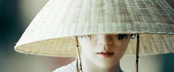 방탄소년단 슈가가 어거스트 디라는 이름으로 발표한 곡 '대취타'의 한 장면. 뮤직비디오 갈무리