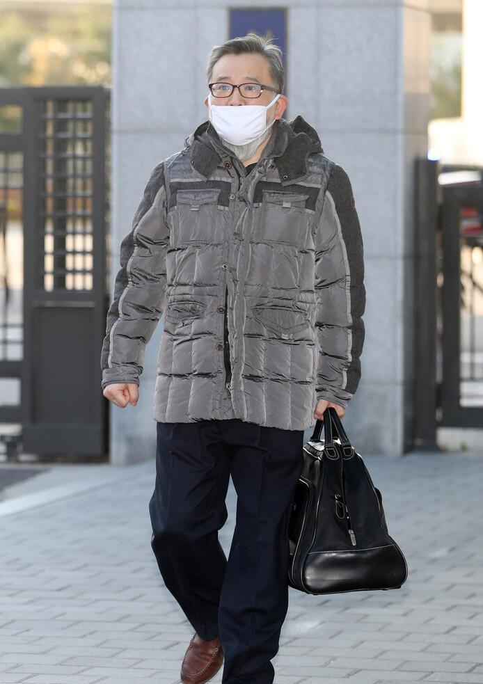 지난해 11월22일 1심에서 무죄를 선고받은 김학의 전 법무부 차관이 서울 동부구치소에서 석방되어 나오고 있다. 연합뉴스.