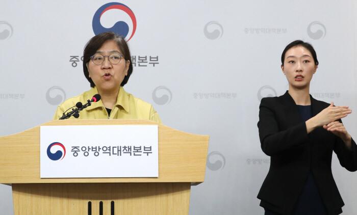"""'완치 뒤 재확진' 미스터리 91명으로…정은경 """"감염력 조사"""""""
