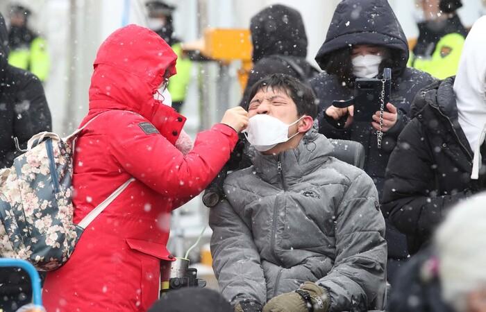 [사설] '지역사회 감염' 우려, 취약계층 대응 더 중요해졌다