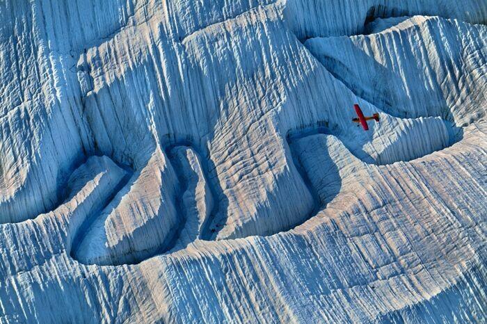 여러 지구환경의 급변침(티핑 포인트)가 서로 영향을 미치면 예상보다 훨씬 빨리 기후변화 급변 상황이 닥칠 수 있다는 논평이 과학저널 네이처에 실렸다. 사진은 알래스카 빙하. 내셔널 지오그래픽, 네이처 제공