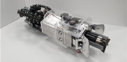 한국과학기술원(카이스트) 전기전자공학부 명현 교수 연구팀이 개발한 두더지 로봇 (몰봇). 지름 25cm, 길이 84cm, 무게 26kg. 카이스트 제공.