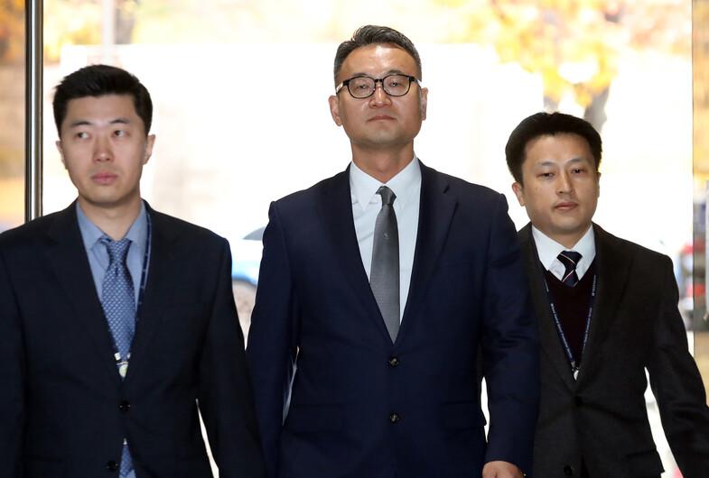[속보] '억대 뇌물수수 의혹' 이동호 전 고등군사법원장 구속