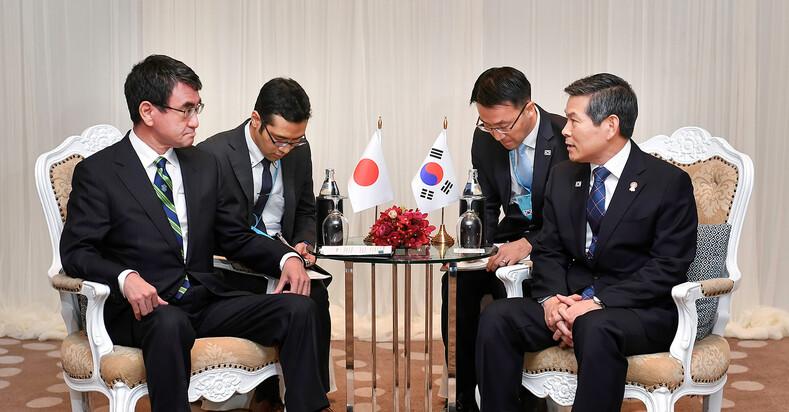 방콕서 양국 국방장관 회담…한-일 국방 지소미아 평행선