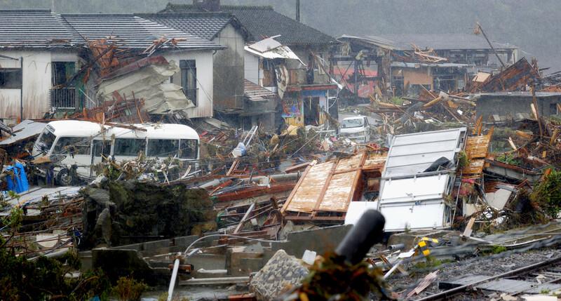 일본 규슈 기록적 폭우로 인명피해 70명…130만명 '대피명령'