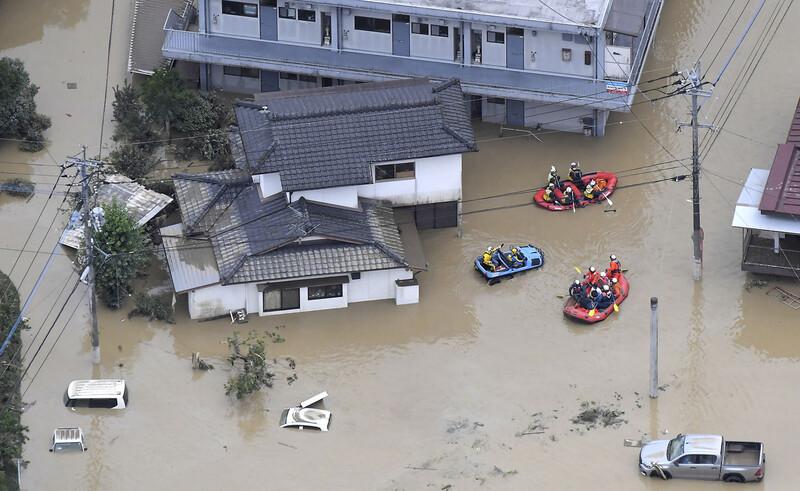 일본 남부 규슈 지방에 있는 구마모토현을 중심으로 4일 많은 비가 내리면서 최소 7명이 사망하는 등 피해가 속출했다. 구마모토/AP 연합뉴스