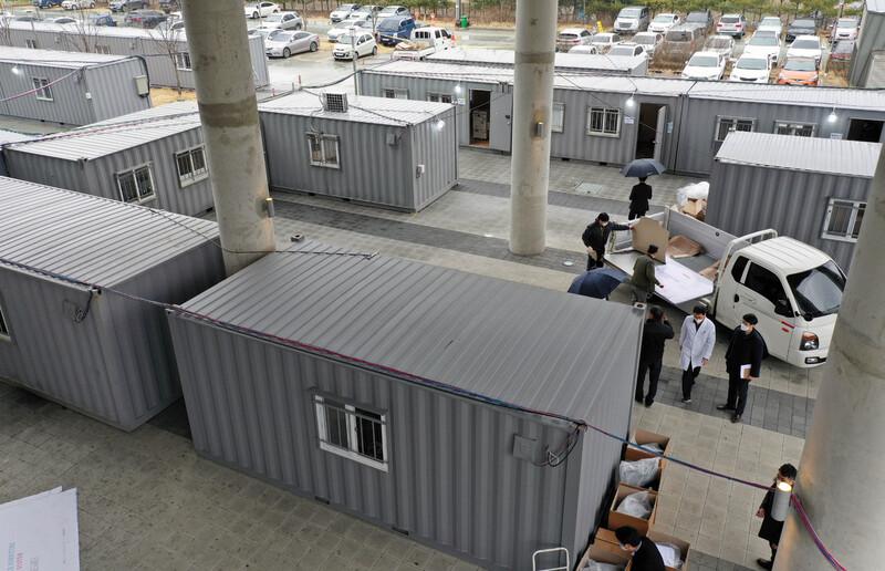 대구에서 하루 3명 사망…확진자 연이틀 500명 이상 폭증