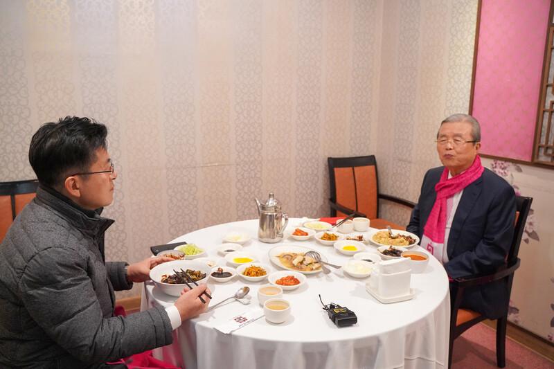 황교안·김종인, 공식 선거운동 첫날 깜짝회동 까닭은