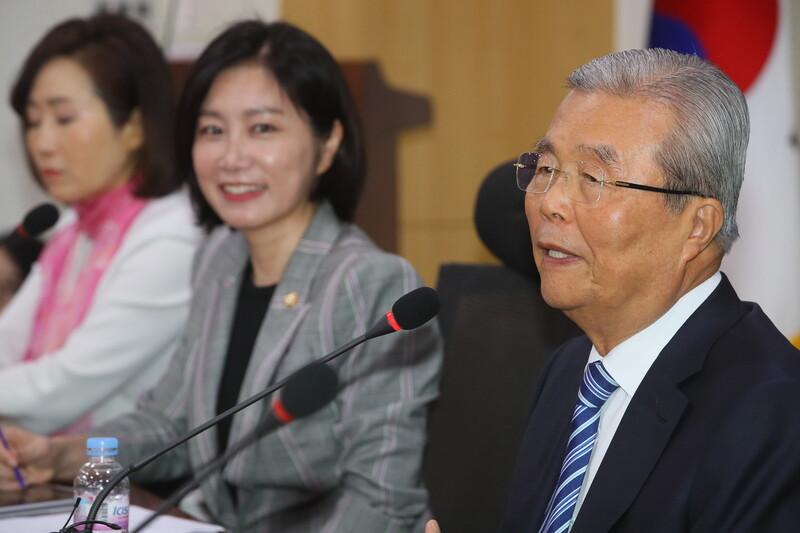 첫 수혜 대상은 청년층…'기본소득' 방향 잡은 김종인
