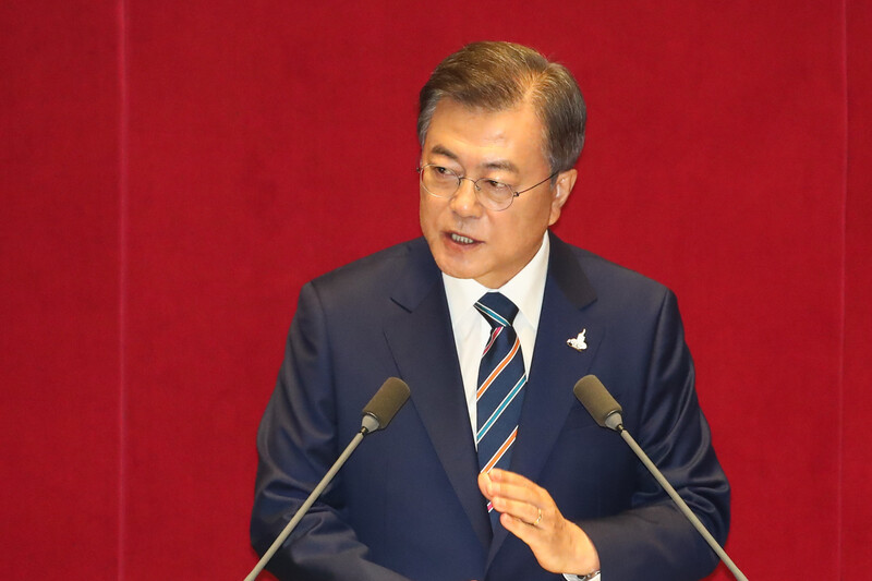 대통령 지지율 부정>긍정…여성·30대·서울 등돌렸다