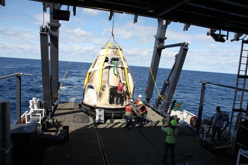 지난 3월 시험비행 '데모-원'을 마치고 국제우주정거장에서 돌아온 우주선 '크루 드래건'. 나사 제공