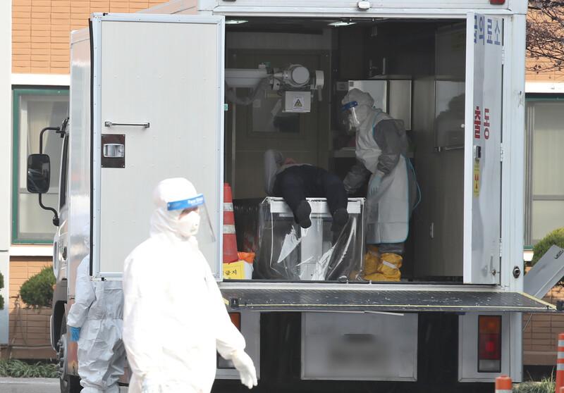사망자 6명 모두 입원·치료중에…기저질환자 '치명적' 확인