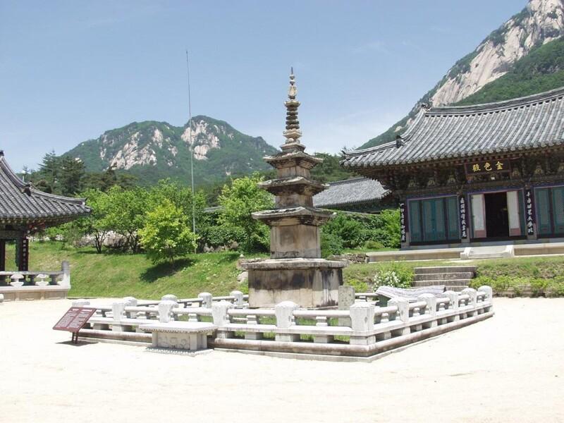 경북 문경시 가은읍 희양산 남쪽 자락에 있는 봉암사. 문경시 누리집