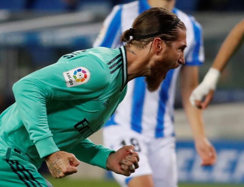 레알 마드리드 수비수 세르히오 라모스가 22일(한국시각) 열린 2019∼2020 프리메라리가 레알 소시에다드전에서 선제골을 뽑은 뒤 포효하고 있다. EPA 연합뉴스