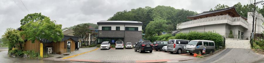 경기 광주시 퇴촌면 원당리 나눔의집 전경. 가운데 보이는 건물이 2층으로 증축된 일본군 '위안부' 피해자 생활관이다. 광주/이정아 기자 leej@hani.co.kr