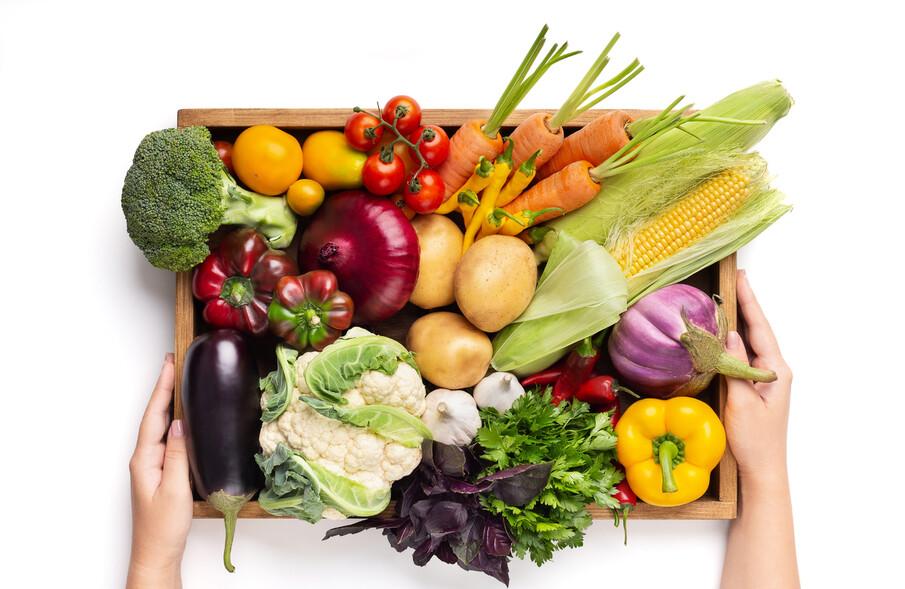 비건에 대한 수요가 많아지며 대중의 반응에 민감한 편의점에서도 식물성 재료로만 맛을 낸 제품이 속속 출시되고 있다. 게티이미지뱅크