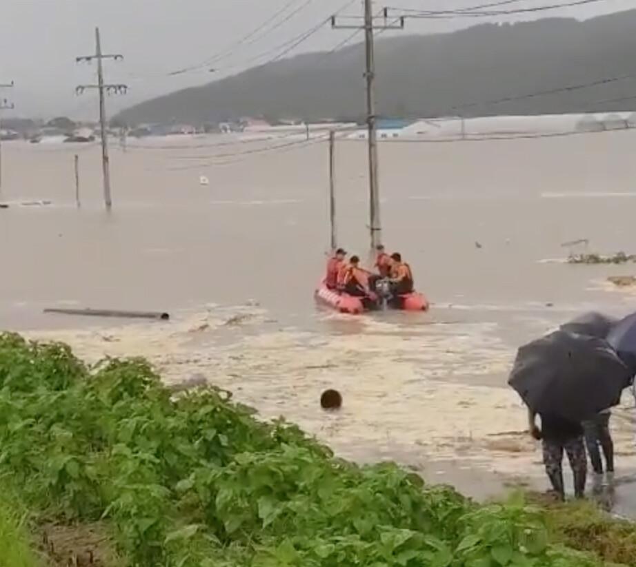 철원 한탄강 범람…민통선 4개 마을 700여명 긴급 대피