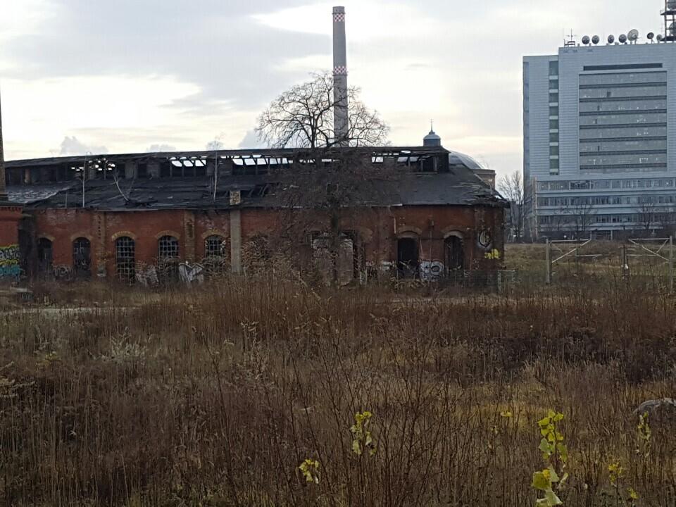 라이프치히 남쪽 코네비츠 지역에 버려진 채 남아 있는 동독 시절의 건물.
