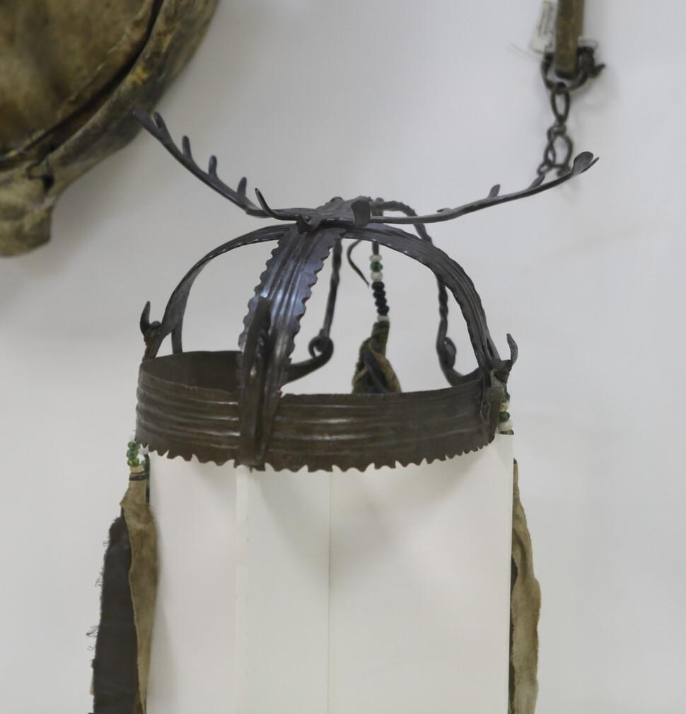 최근에 사용된 시베리아 샤먼의 관. 시베리아과학원 고고민족학연구소. 강인욱 제공