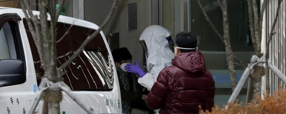 4번째 확진자 '감기'로 찾은 첫 병원, 보건당국에 신고누락