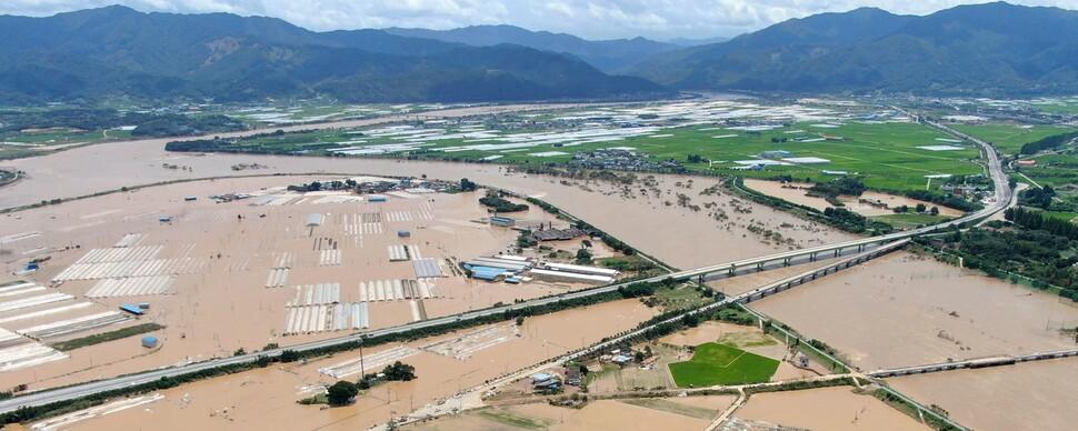 이번엔 남부권 아수라장…주말 폭우로 15명 사망·실종