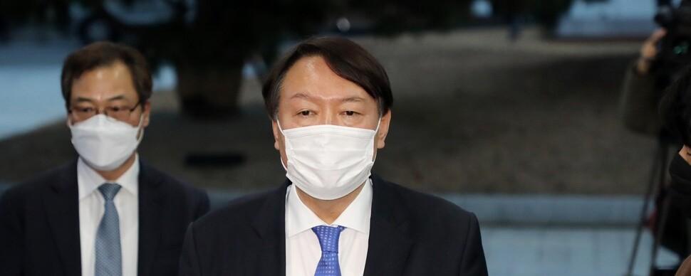'청'은 징계위 강행…'윤'은 원전 수사 구속영장 승인