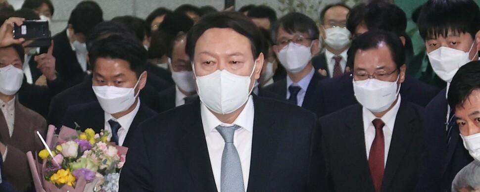 대선 레이스 1년 앞두고… '태풍의 눈' 윤석열 파괴력은?