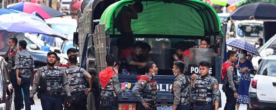 미얀마 군부도 임시정부도, 시민들 희생 애도하지 않는다