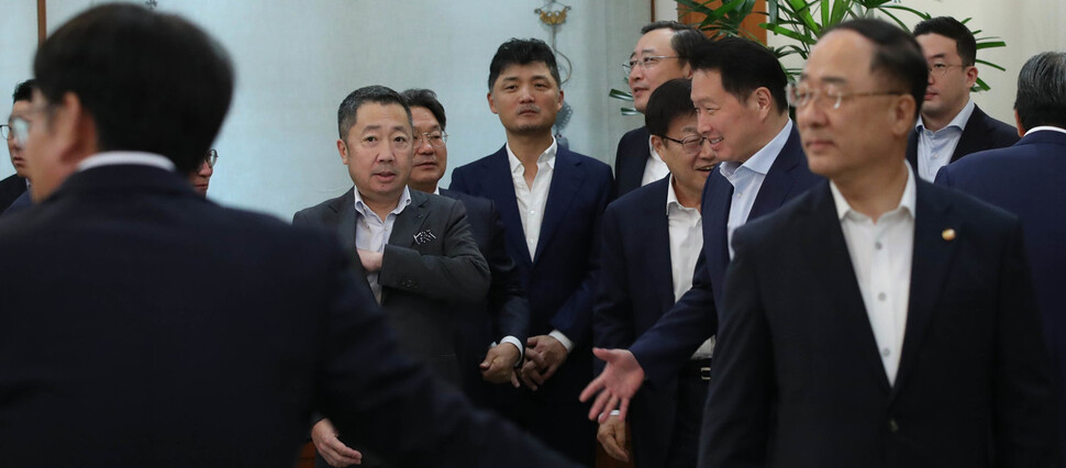 두산그룹, '두산솔루스' 사모펀드에 매각 협상중…이르면 오늘 타결