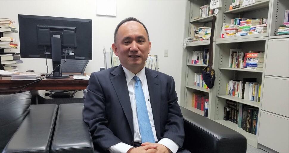 """""""일본, 검진 안 한 감염자 많다면 긴급사태 선언 효과 없어"""""""