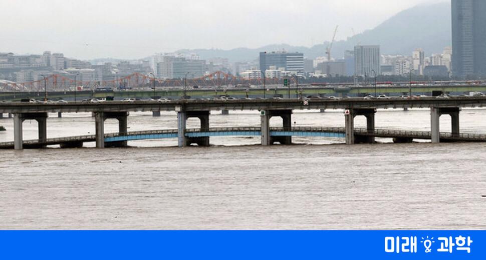 기후변화로 세력 키운 '슈퍼장마'…중·일 강타 뒤 한국 맹습