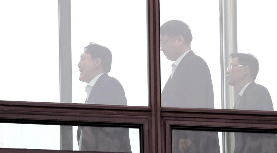 """""""윤석열 고립 맞지만…"""" 검사들 집단반발 분위기는 없어"""