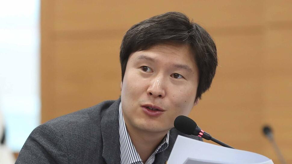 """민주 '금태섭 징계'에 지도부서도 """"헌법 충돌 여지"""" 쓴소리"""