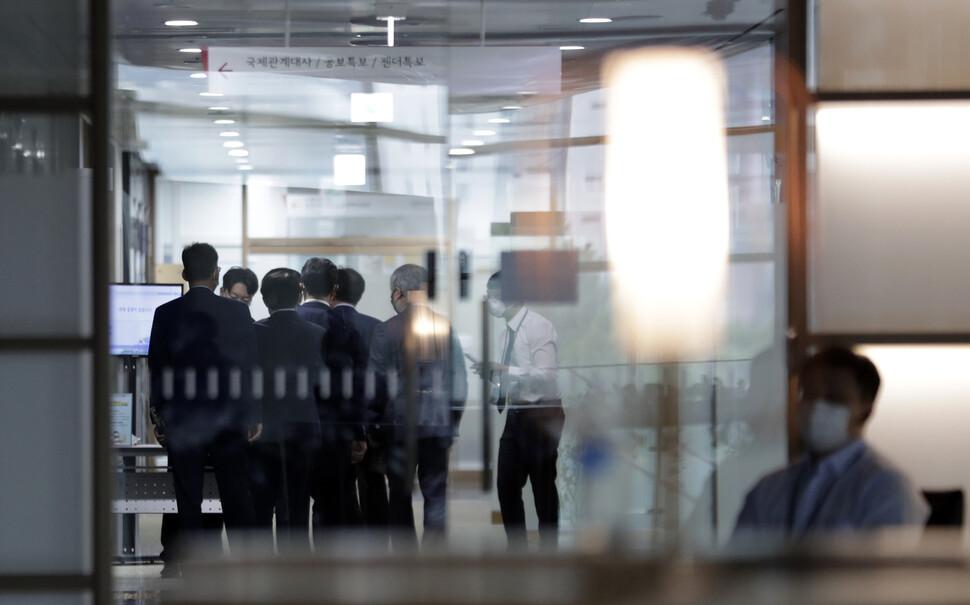"""""""박원순 시장 고소한 피해자와 연대한다"""" 움직임 확산"""