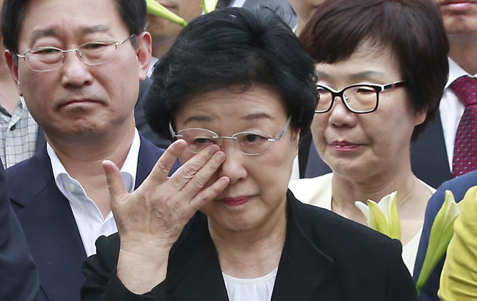 재심 확신 못하지만…민주당이 '한명숙 사건' 쟁점화하는 이유는?
