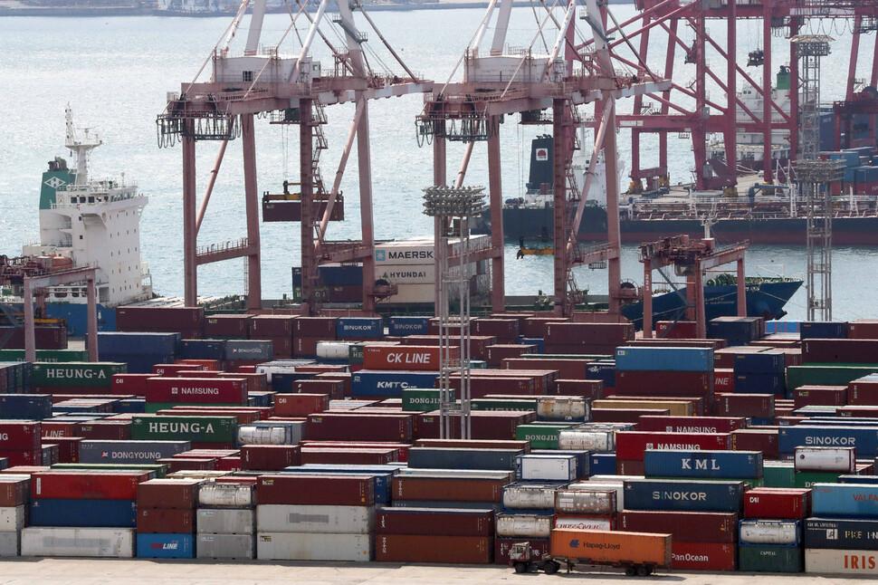 12월 1~10일 수출 7.7% 증가…1년 만에 감소 행진 멈추나