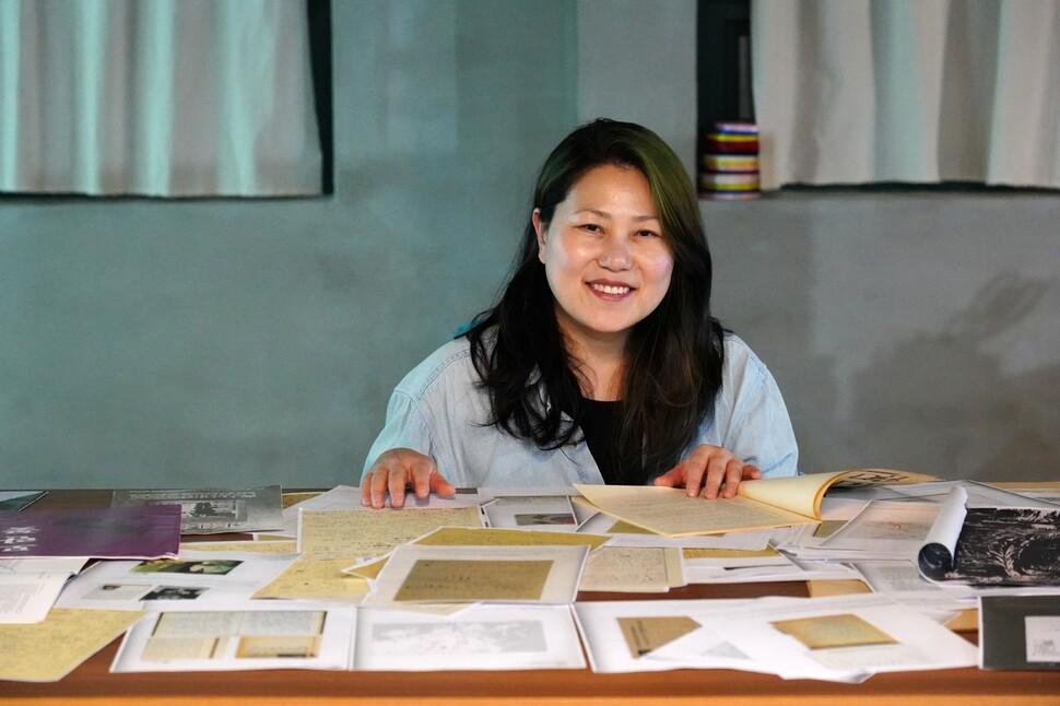 공공미술 프로젝트 어셈블리 5·18을 추진 중인 김신윤주 작가. 5·18민주화운동기록관 제공