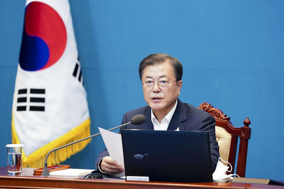 문 대통령, 최재성 정무·김종호 민정·김제남 시민사회 수석 내정