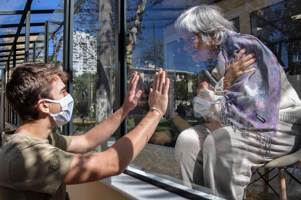 부자가 들여온 바이러스 빈민들 덮쳐…중남미 코로나의 비극