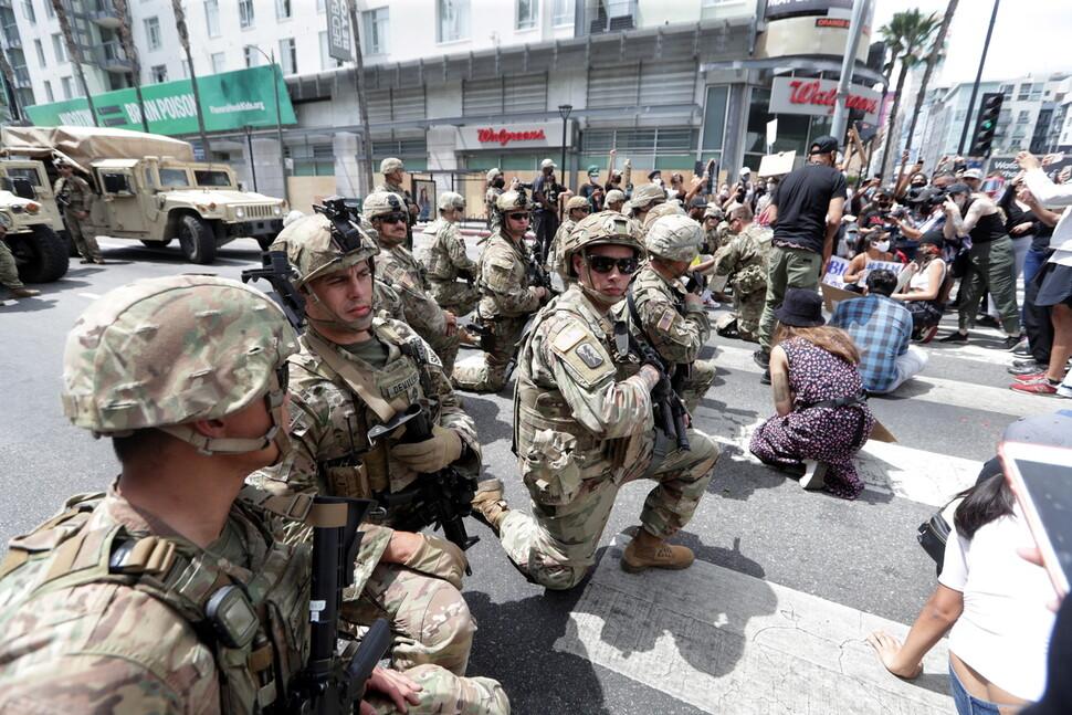 """""""군대 동원"""" 트럼프에 """"시민은 적이 아니다"""" 비판 봇물"""