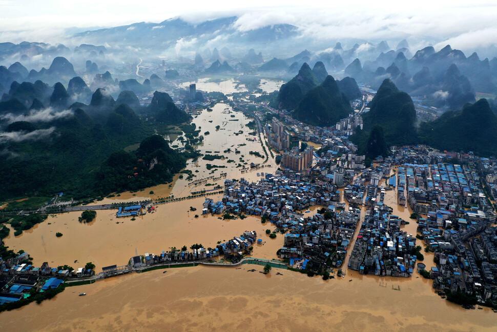"""중국 홍수 피해 14조·이재민 3800만명…장시성 """"전시 상태"""""""