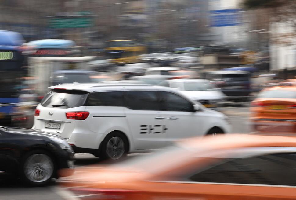 """""""타다 1심 무죄 반영해 재검토""""…국회 '여객법 개정안' 새 국면"""