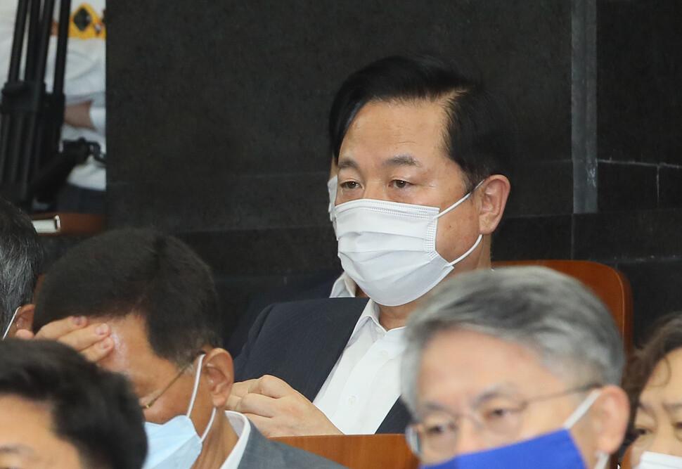 """김두관이 내놓은 '성폭력 방지 대책'…""""단체장 집무실 침대 없애자"""""""