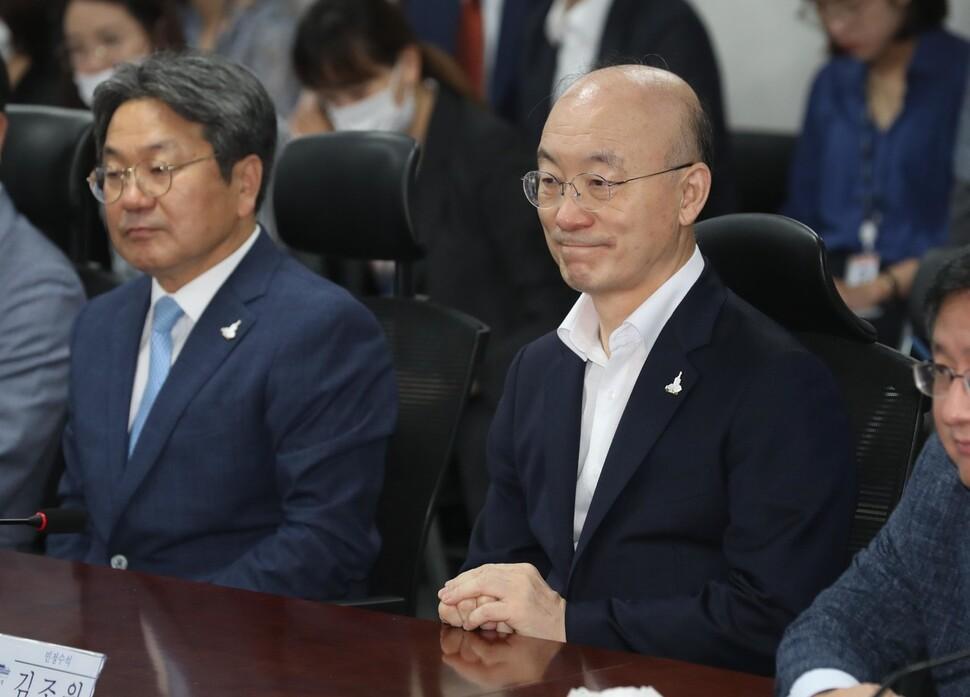 [사설] '알아서 아파트 팔아달라' 했다는 김조원의 변명