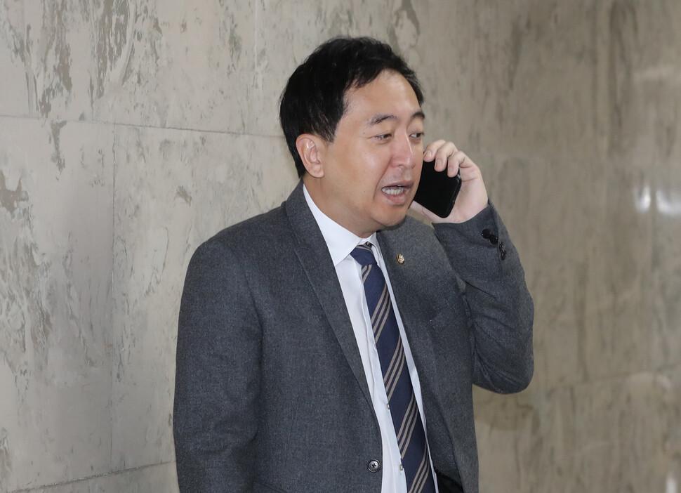 """민주당, 공수처법 기권 금태섭 징계 처분…금 """"재심 청구"""""""