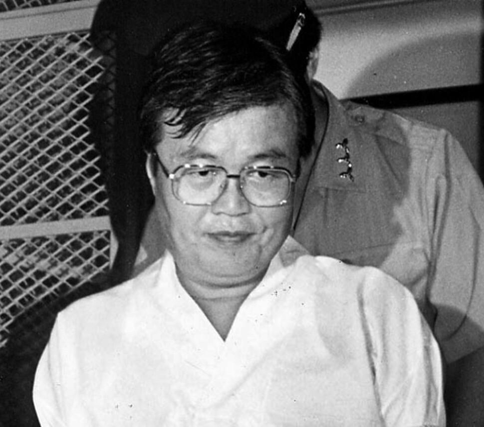 김종인이 동화은행 비자금 사건으로 체포되었지만 '몸통'은 따로 있다는 말이 당시에도 있었다. 1993년 7월23일치 <한겨레>에 실렸다. 촬영 장철규 기자.